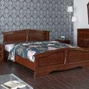кровать из массива резная