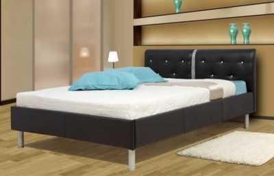 кровать двухспальная в коже